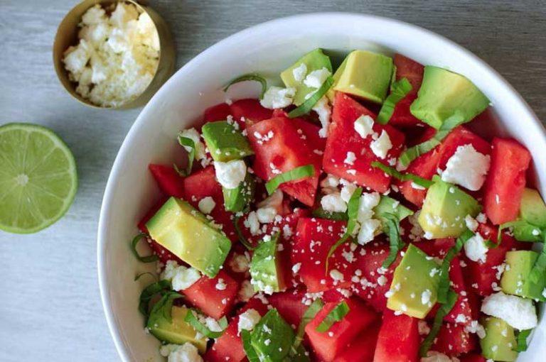 Σαλάτα καρπούζι με ανθότυρο και αβοκάντο